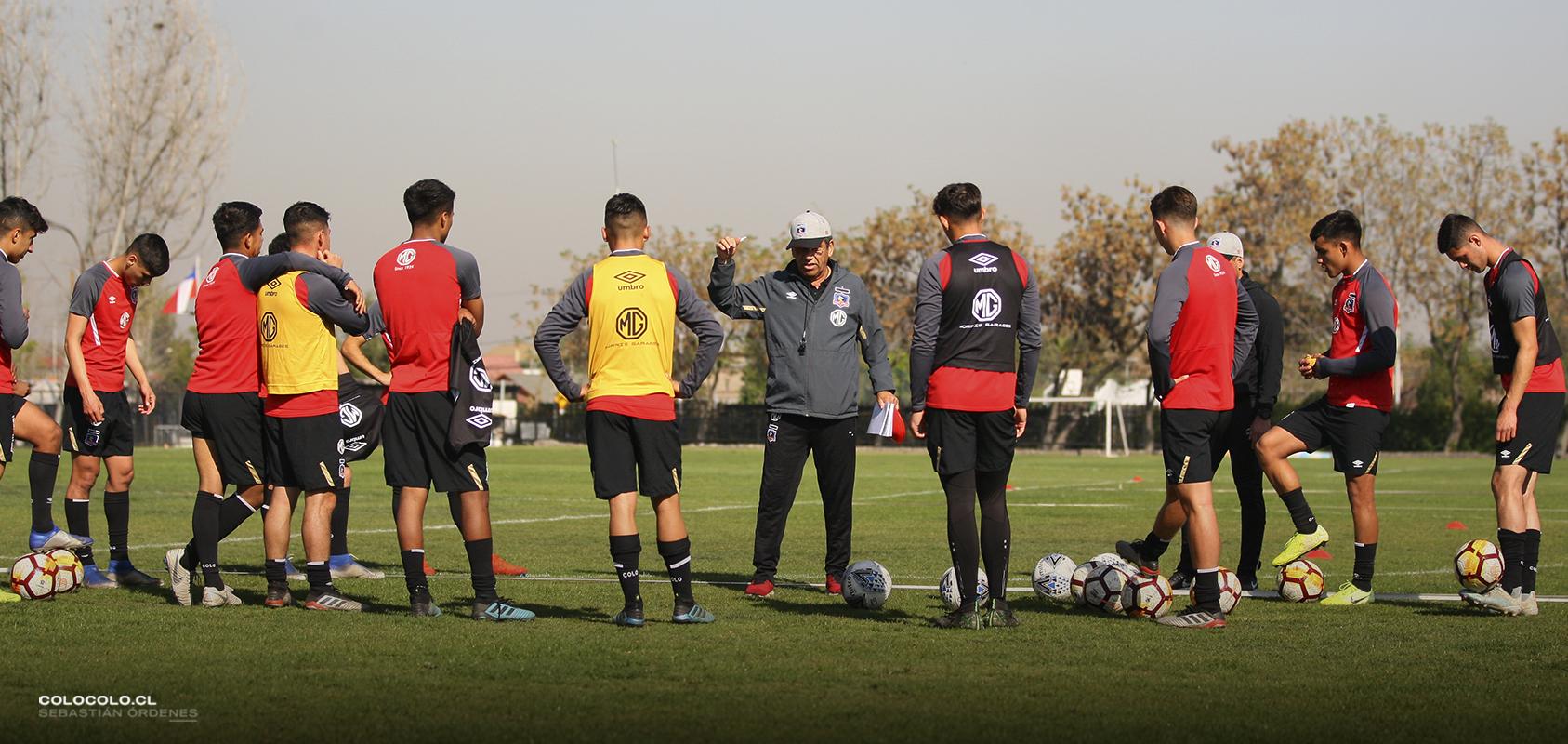 Los pies en la tierra y menos redes sociales: Los consejos de María Fernanda Valdés a los jugadores del Fútbol Joven