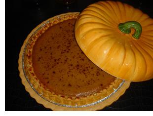 Maple Leaf Spiced Pumpkin Pie
