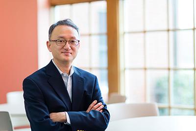 Eddie Rhee, Associate Professor of Business Administration