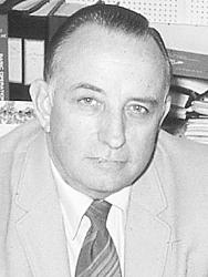 Kenneth W._Healy
