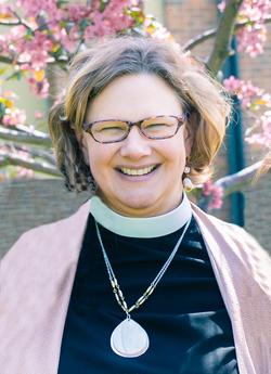 Pastor Sarah_Nietz