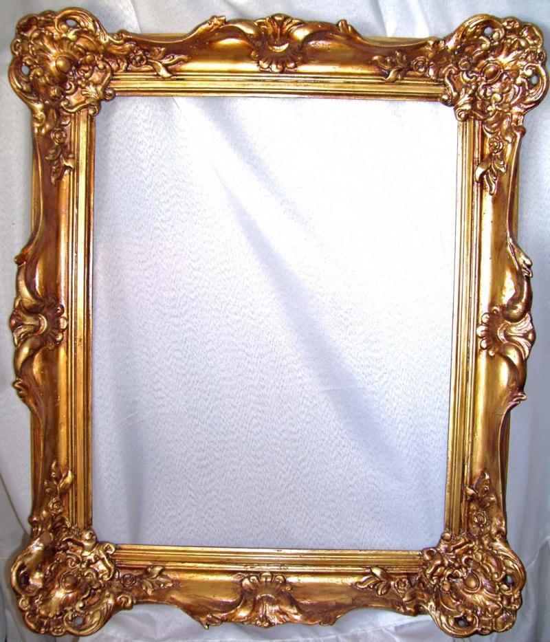 marco dorado a la hoja