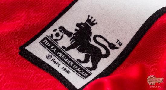 liverpool fc, liverpool, the reds, merseyside, the kop, anfield, premier league, reebok, robbie fowler, fowler, liverbird, carlsberg, memory lane, unisport, unisportstore