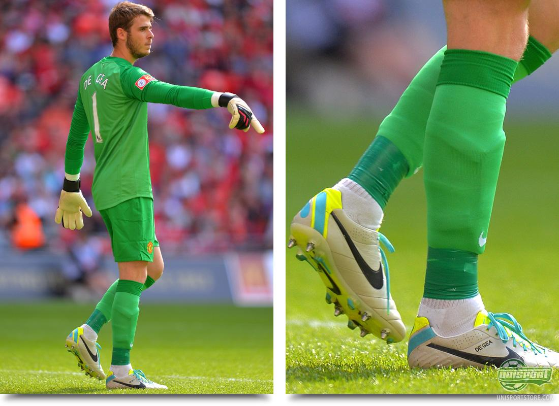 goalkeeper boots