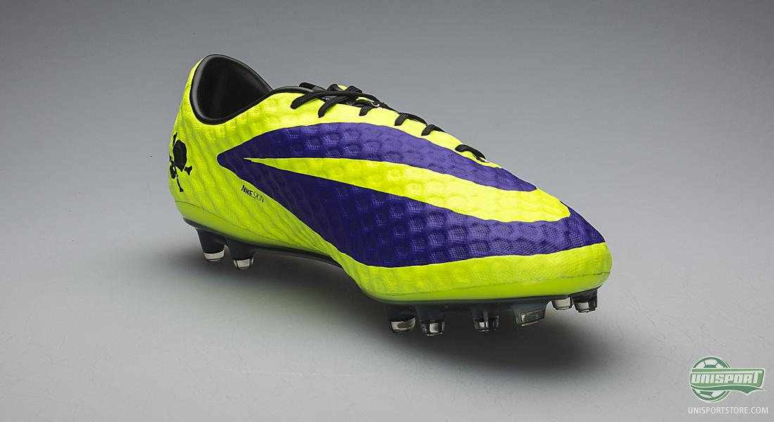 The Nike Hypervenom Phantom is designed with focus on fit, touch and  traction. As most know, the Hypervenom took over from the iconic  T90-collection, ...