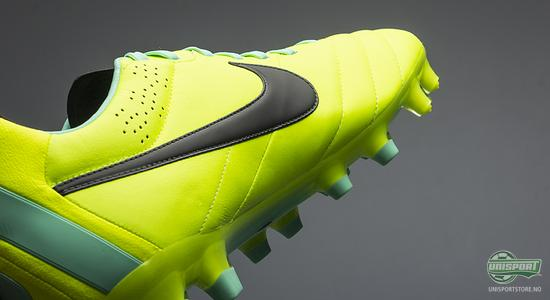 nike, stand out, stand, out, high visibility, high, visibility, hi-vis, hypervenom, mercurial, CTR360, ctr 360, tiempo, unisport, unisportstore