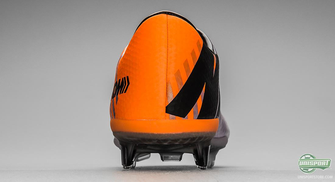 8b7fb3e69b2 For the design of the Nike Mercurial Vapor Superfly II the research team  had investigated the human sight and discovered that 99% of a normal  person s sight ...