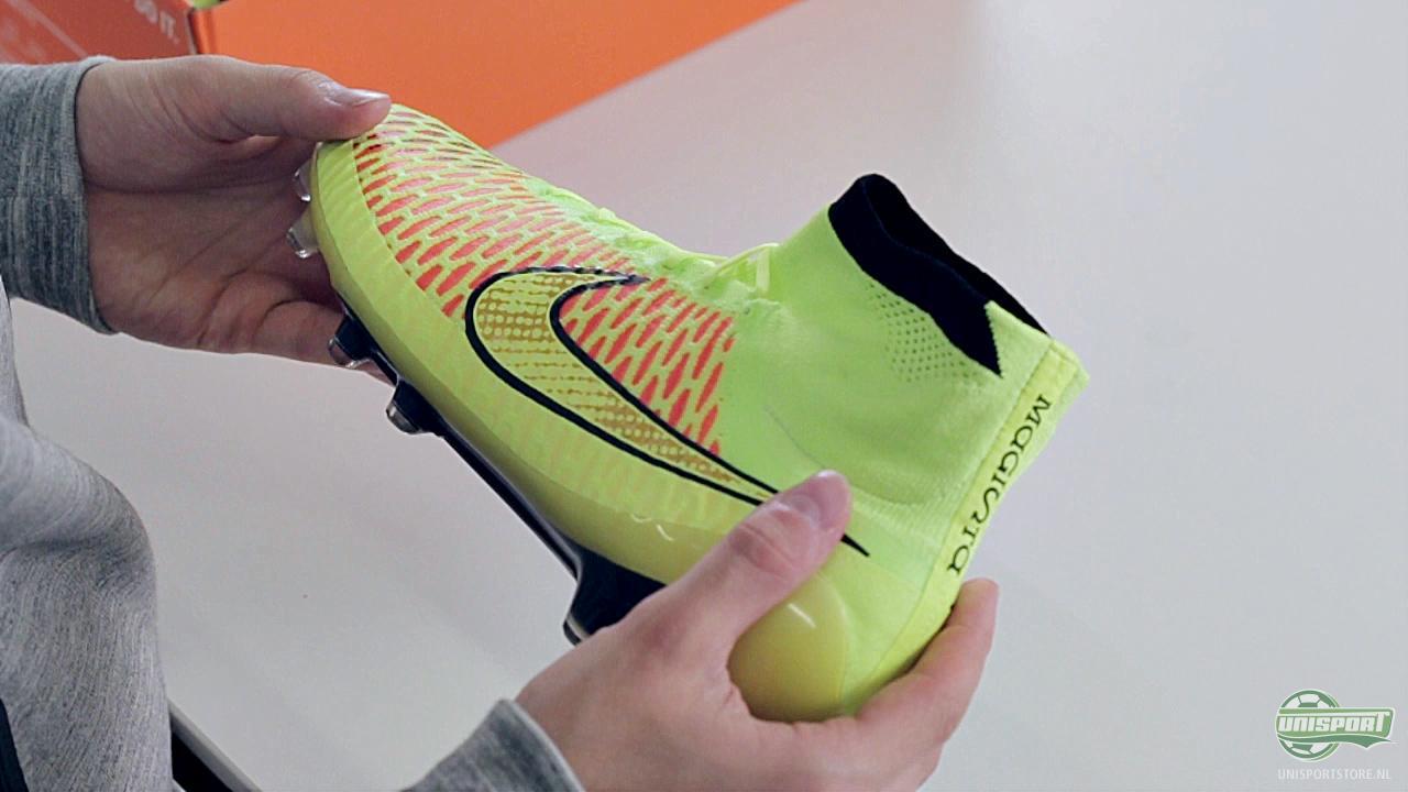 Voetbalschoenen met sok nep