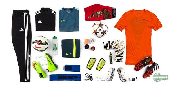 Höstens fotbollsutrustning: Nike, adidas och Sells fyller träningsväskan.