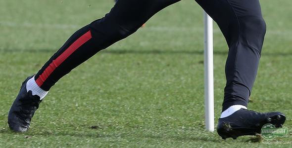 Radamel Falcao tests blackout PUMA football boot