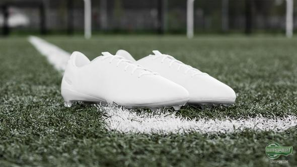 Adidas leverer et rent look med de nye f50 adizero No Dye Pack