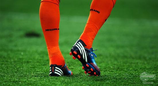 robin van persie, v persie, robin, persie, nike, adidas, manchester united, manchester, adipower, predator, adidas adipower predator, lz, lethal zones