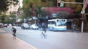 Sydney City Council: Cyclists running red lights not fined