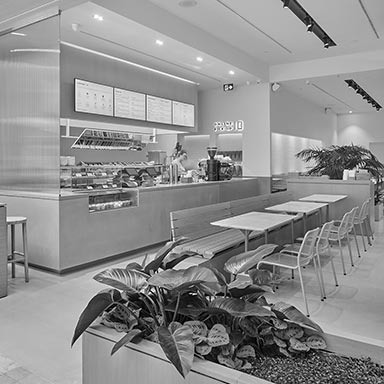 iqfoods_yorkdale_thumbnail_bw_2