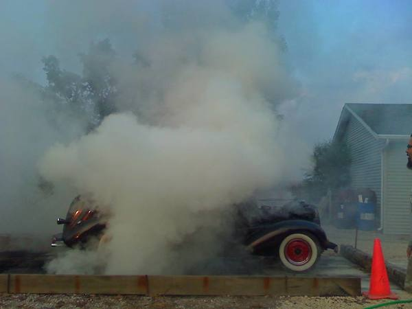 1935 car burnout