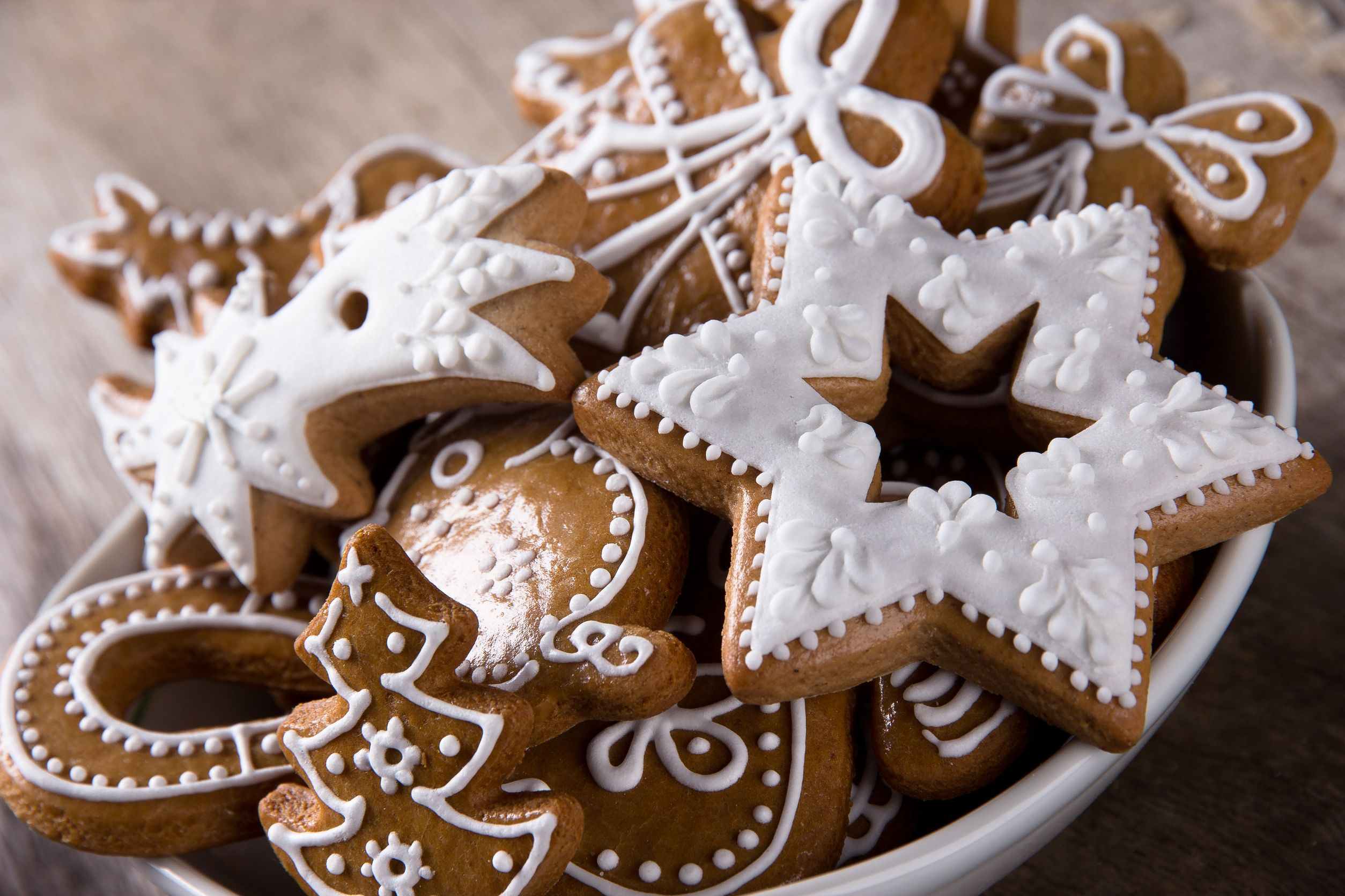 Holiday Recipe: Classic Gingerbread Cookies - 12 Tomatoes