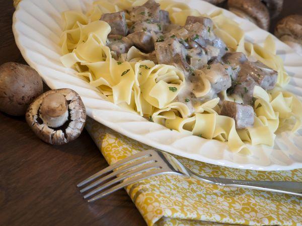 Comfort Food Recipe: Slow Cooked Beef Stroganoff – 12 Tomatoes