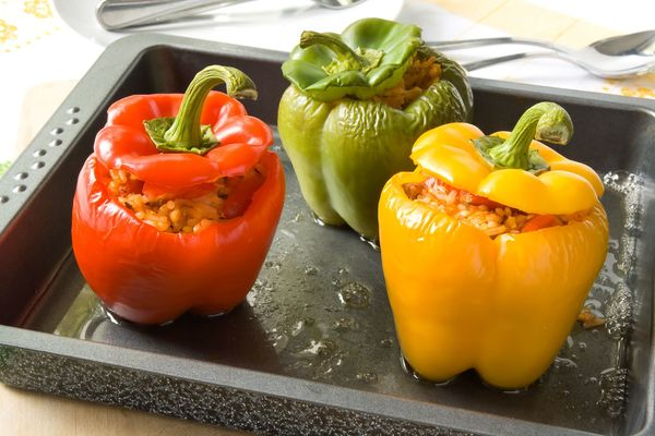Vegetarian Recipe: Simple Stuffed Peppers – 12 Tomatoes
