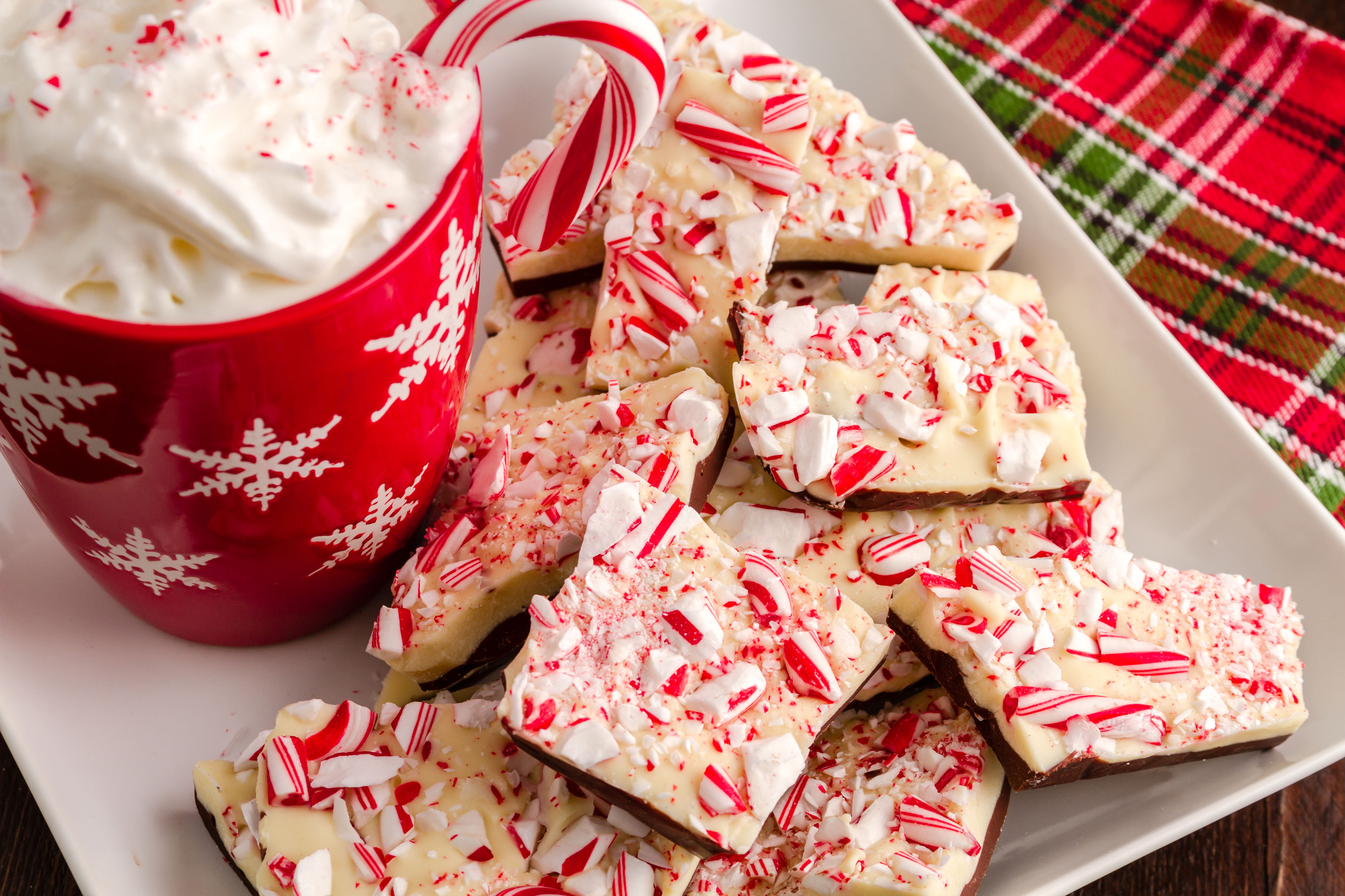 Festive Dessert Recipe: Easy Peppermint Bark