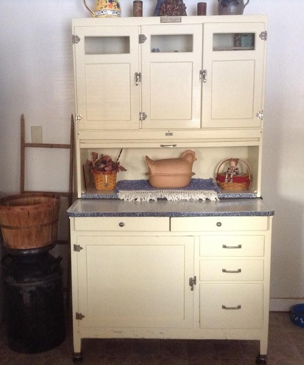 Grandmother's Kitchen: So Much White