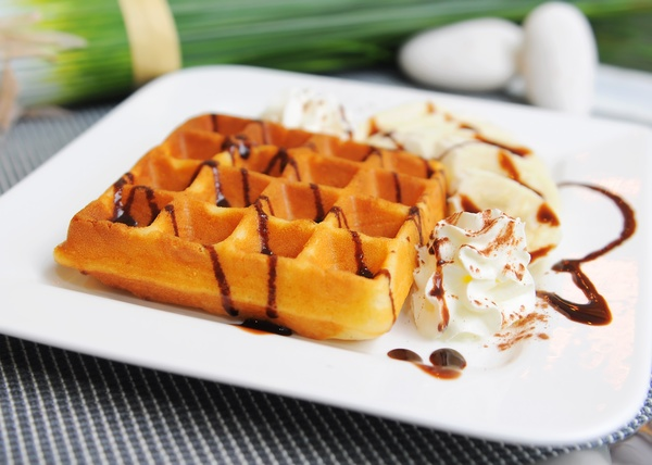 Breakfast Recipe: Buttermilk Waffles