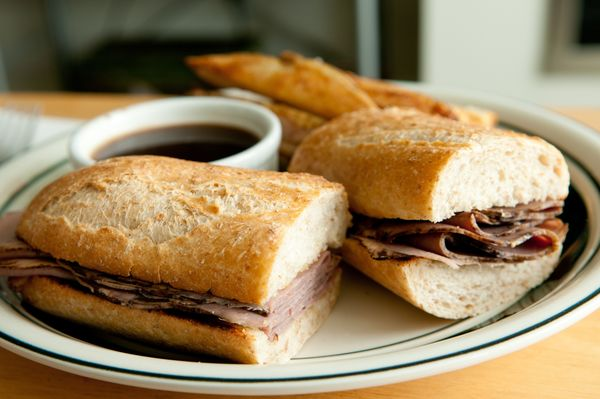 Slow Cooker Sandwich: French Dip Roast Beef