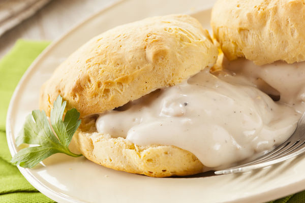 Southern Recipe: Buttermilk Biscuits with Sausage Gravy