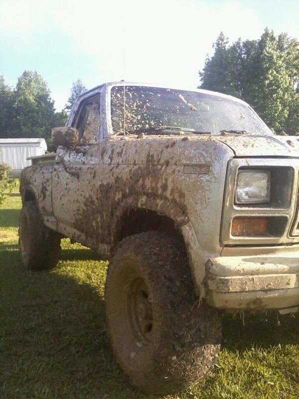 truck muddig