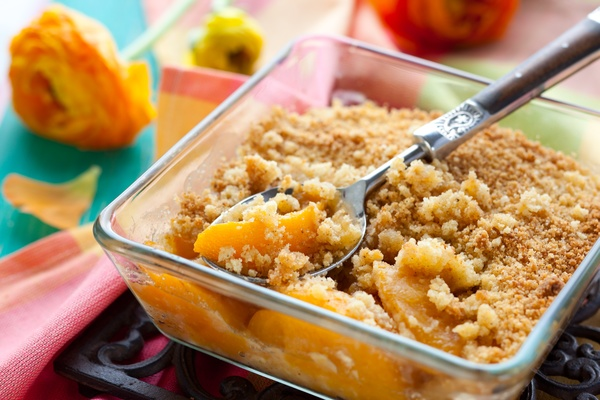 peach pineapple crumble