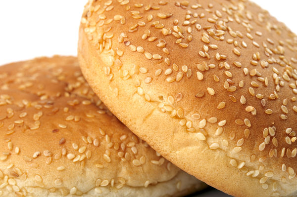 how to put sesame seeds on bread