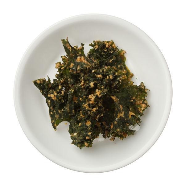 Simple Vegetarian Snack: Baked Kale Chips