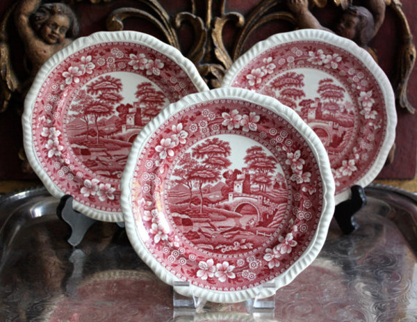 Antique Spotlight: Spode Pottery & China