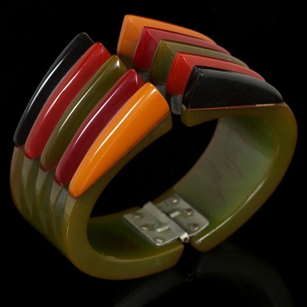 Antique Spotlight: Bakelite Jewelry