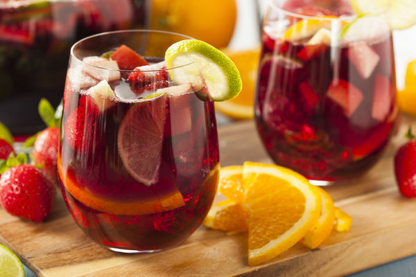 Summer Recipe: Red Sangria with Fresh Fruit
