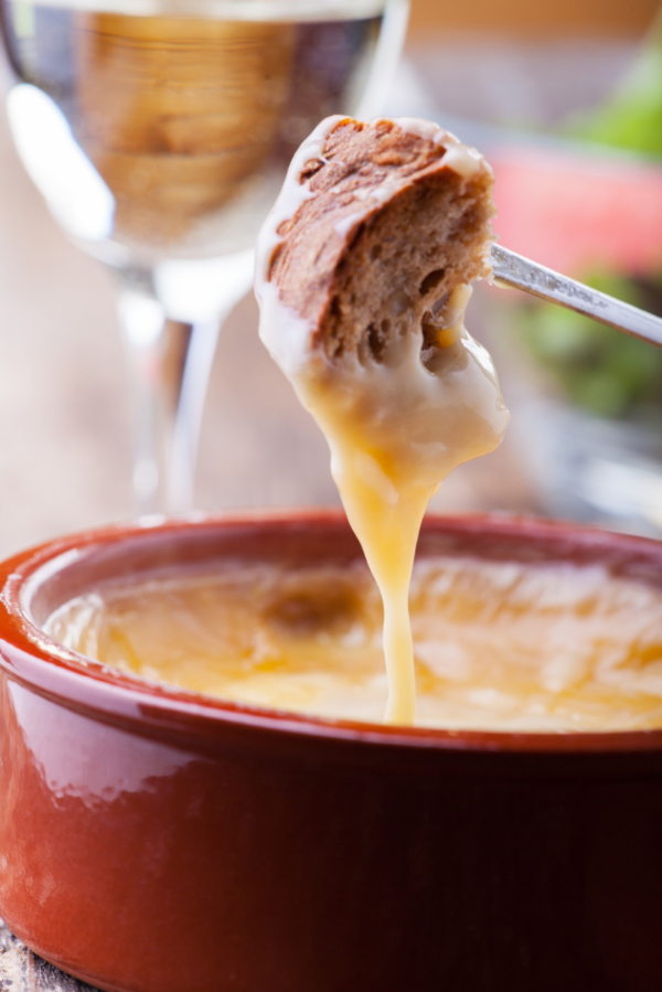 Fancy Dinner Recipe: Cheesy Fondue