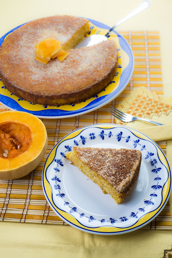 Creative Dessert Recipe: Golden Coconut Pumpkin Cake