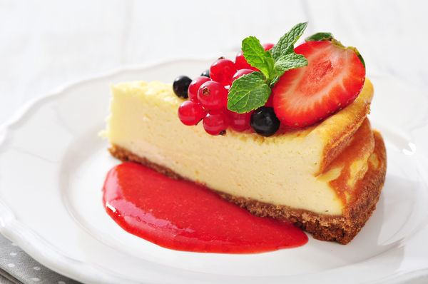 Low-Fat Dessert Recipe: Simple & Sweet Strawberry Cheesecake