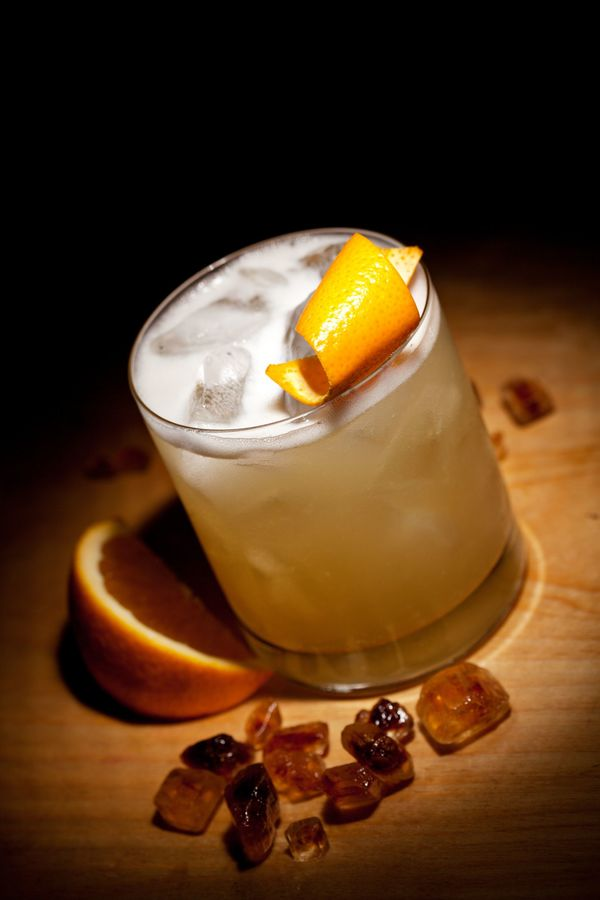 Classic Cocktail Recipe: Traditional Whiskey Sour