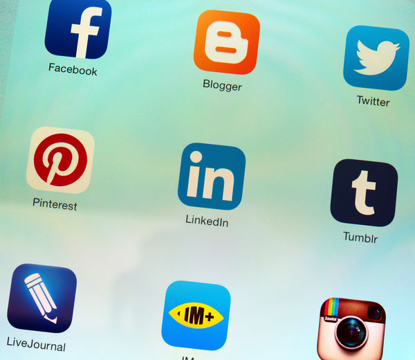 6 Social Media Tips for Writers