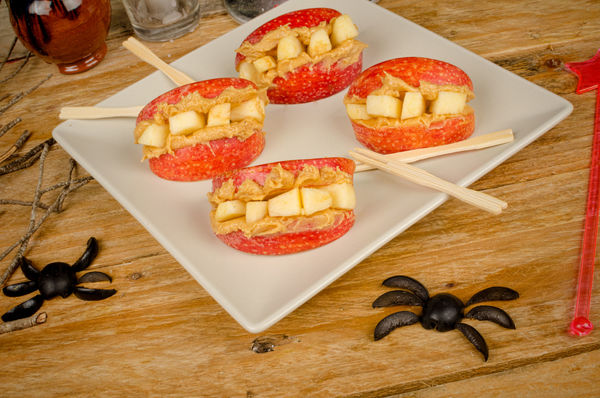 Halloween Recipe: Spooky Peanut Butter & Apple Dentures