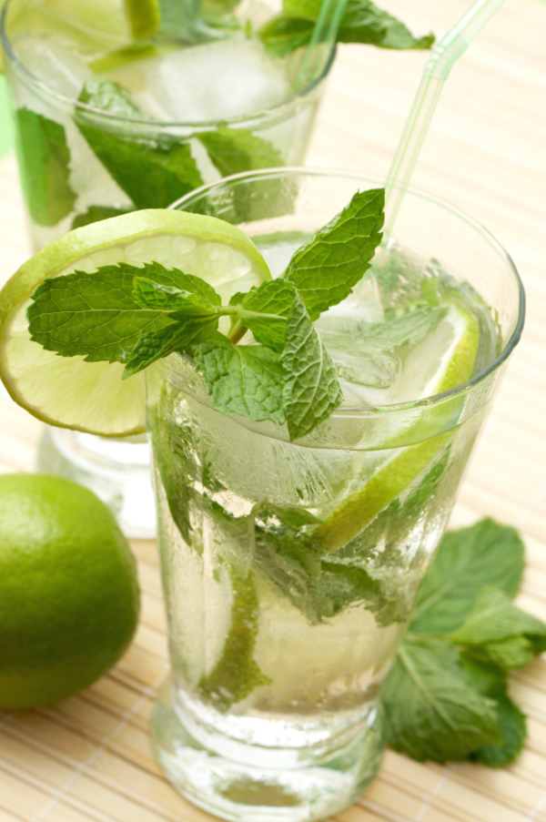 Classic Cocktail Recipe: Minty Mojito