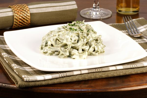 Quick Pasta Recipe: One-Pot Spinach Fettuccine Alfredo
