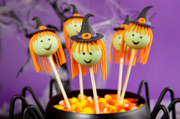 Halloween Dessert Recipe: Spooky Cake Pop Witches