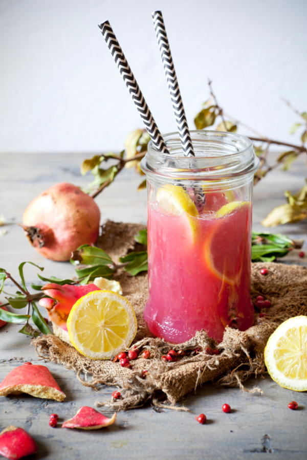 Cocktail Recipe: Pomegranate Lemon Gin Fizzy