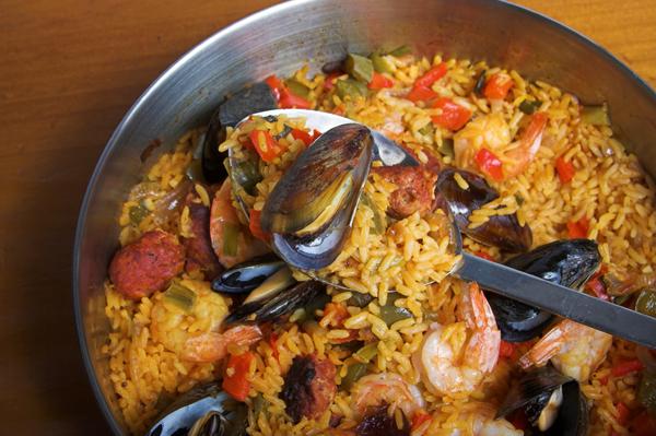 Spanish Recipe: Chorizo, Shrimp & Mussel Paella