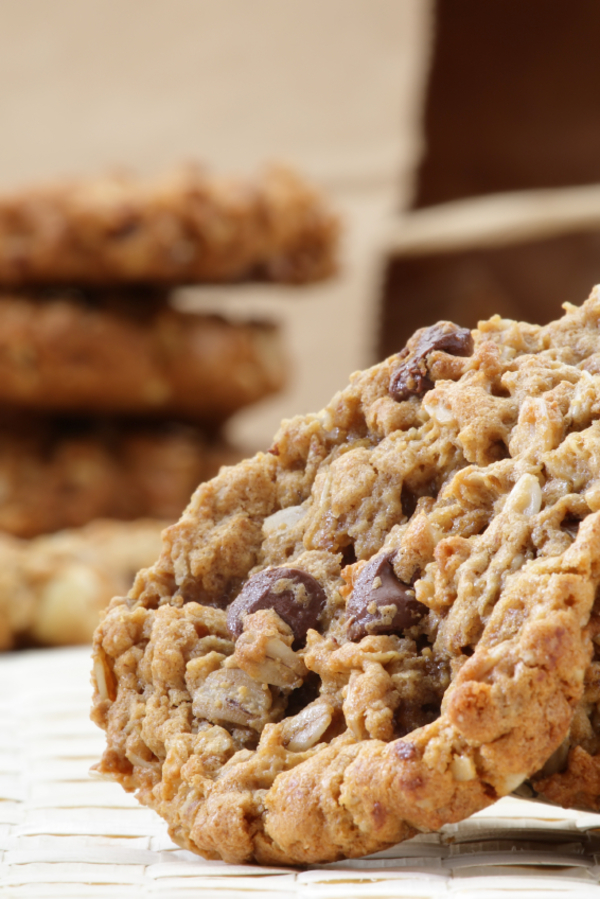Dessert Recipe: Oatmeal Chocolate Chip & Macadamia Nut Cookies