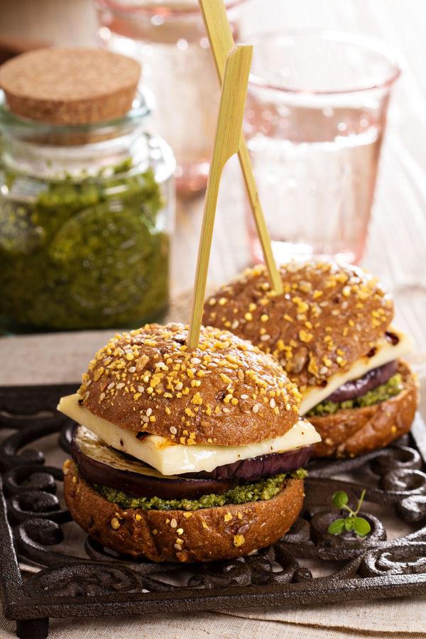 Veggie Burger Recipe: Grilled Eggplant, Halloumi & Pesto Burgers