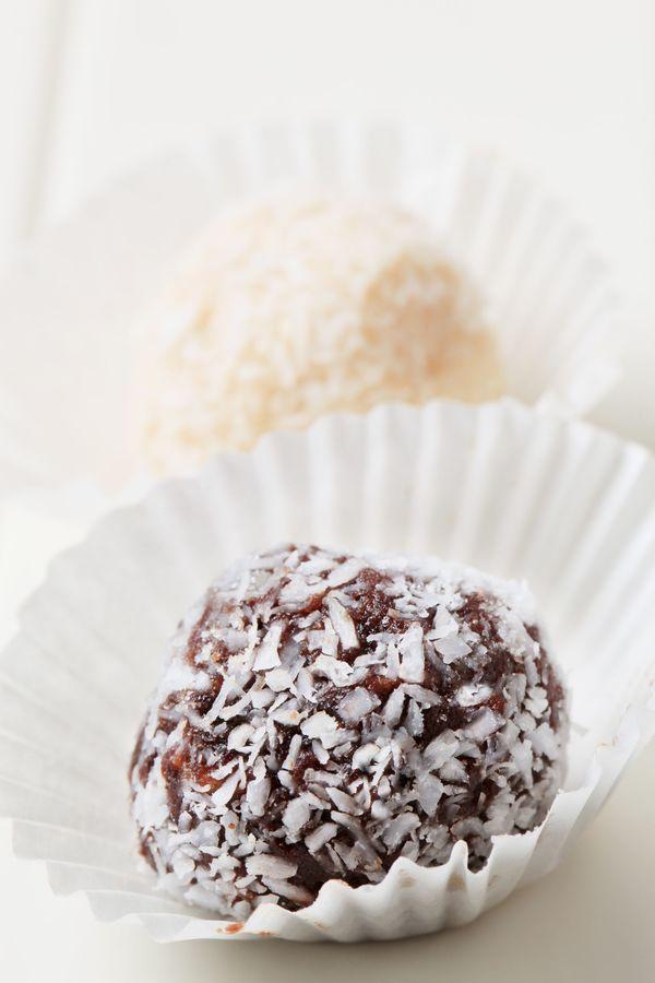 Easy Dessert Recipe: Decadent Dark Chocolate Coconut Truffles – 12 ...