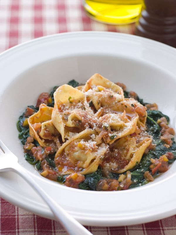 Vegetarian Recipe: Cheese Tortellini With Spinach & Tomato Salsa