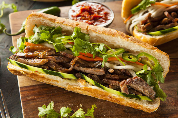 This vietnamese pork sandwich is packed with flavor 12 for Cuisine vietnamienne